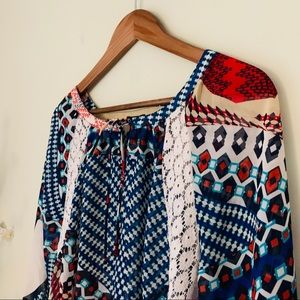 New Directions Lace Accent Top Size L